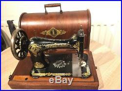 1894 Antique Singer 28K HandCrank Sewing Machine with case