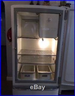 1947 Antique General Electric Refrigerator Good Shape (new compressor & gasket)