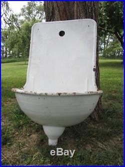 Antique Enamelware Wall Fountain / Sink Vintage Primitive Garden Decor 9636