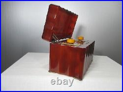 Antique General Electric vintage Catalin tube radio model L-622 XMAS Special