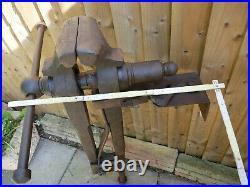 Antique Rare Large Leg Vice 7 Inch Jaws Blacksmiths Farriers Workshop 60 70 Kg