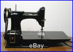 Antique SINGER 221K Featherweight Sewing Machine. Case Pedal Attachments NICE
