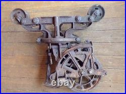 Antique Vintage Cast Iron Unloader Hay Trolley Carrier Barn Farm Pulley Rustic