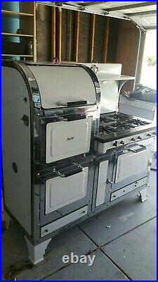 Gas Antique Magic Chef Stove