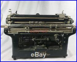 Vintage Antique 1929 to 1930 UNDERWOOD No. 5 Black Steel Standard Typewriter RARE