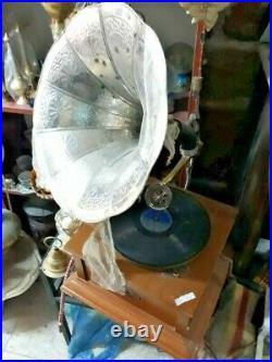 Vnt Antique Retro Gramophone Phonograph Wooden Brass Showpiece Indian Handmade
