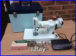 White Vintage Singer 221, 221K Portable Featherweight Sewing Machine